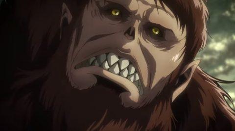 獣の巨人の顔のアップ