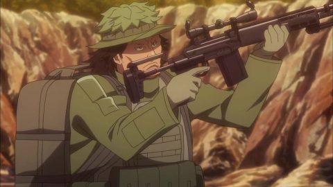 銃を掲げるM
