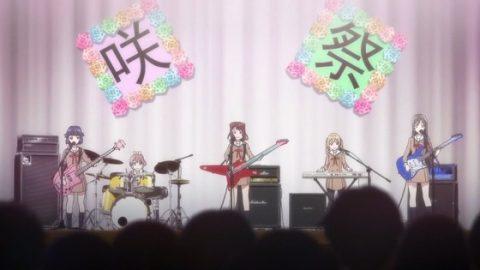 文化祭ライブで演奏するPoppin Party
