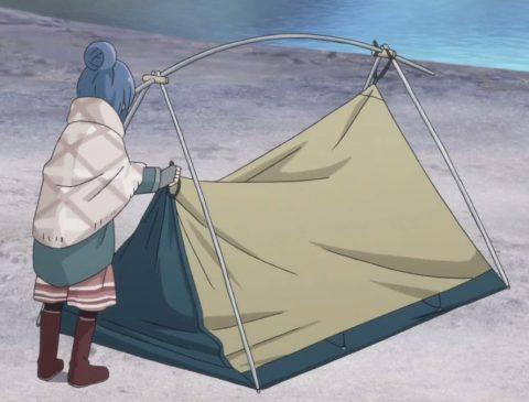 テントを立てるリン
