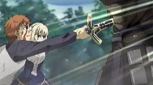 士郎と一緒にバーサーカーに剣を刺すセイバー