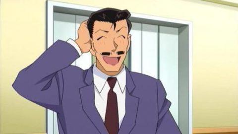照れ笑いを浮かべる小五郎