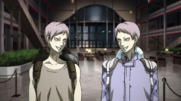 不敵な笑みを浮かべる断罪兄弟 兄と弟