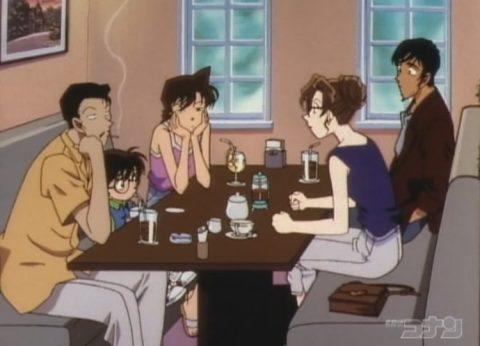 小五郎と向き合って会話する英理