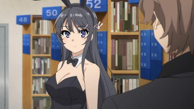 バニーガールの格好をした桜島麻衣