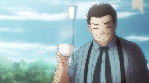 コーヒーを飲むドク