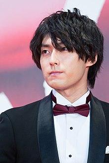 スーツの増田俊樹