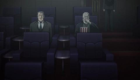 映画を見る兵藤とトネガワ