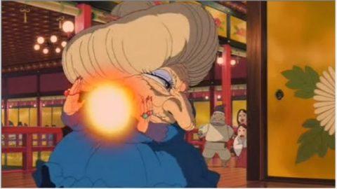 攻撃する湯婆婆