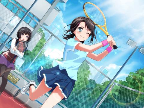 テニスをする奥沢美咲